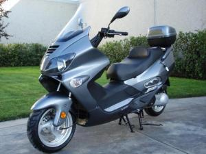 "This is one of the images that comes up when you search ""cool moped."" (via lacey-washington.olx.com)"